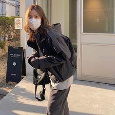 Baggy Clothes, Ulzzang Korean Girl, Work Looks, Mode Vintage, Asian Style, Korean Style, Korean Outfits, Korean Beauty, Everyday Fashion