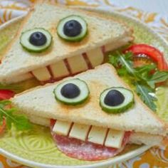 Cute Fruit, Cute Food, Good Food, Easy Halloween Food, Halloween Dinner, Quick Supper Ideas, Recipes Appetizers And Snacks, Dinner Themes, Creative Food Art
