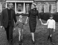 Princess Grace with family in Florida, 1963
