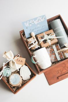 Birthday Presents For Friends, Happy Birthday Gifts, Valentines Gifts For Him, Easy Diy Christmas Gifts, Christmas Gift Baskets, Diy Gift Box, Diy Gifts, Best Friend Gifts, Gifts For Friends