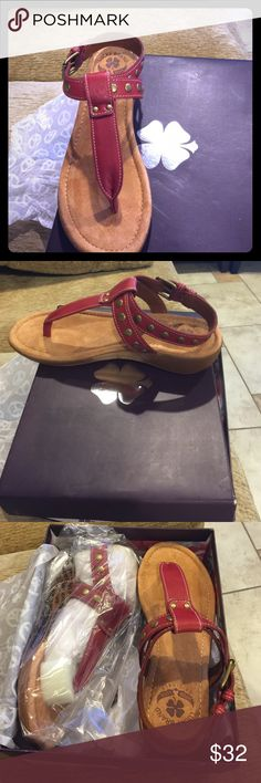 Lucky Brand Brand New never worn Lucky Brand sandals. Very soft padding,comfortable sole. Still in original box. Great for all looks. Reasonable offers accepted 😊 Lucky Brand Shoes