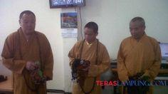 Kantor Imigrasi Lampung Amankan Tiga Biksu Asal China - Teras Lampung