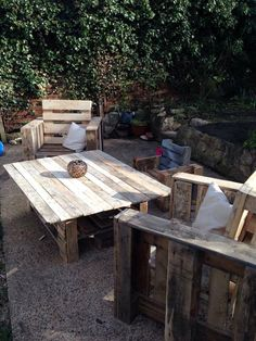 Backyard Furniture out of #Pallets  -10 Easy Wood Pallet Projects & Ideas | 101 Pallet Ideas