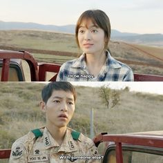 Instagram media by descendantsots - Descendants of The Sun - Screencaps ☀️ -------------------------------------------- Back to Descendants of The Sun again, ppl!! It's Captain Yoo & Dr. Kang ~~~ ⭐️❤ Sijin got jealous along with his jokes. ☺️