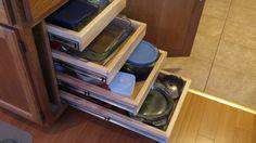 Building Pull Out Cabinet Shelves - DIY Pantry Organization Kitchen Cabinet Shelves, Diy Kitchen Cabinets, Built In Cabinets, Cabinet Drawers, Kitchen Items, Kitchen Storage, Drawer Bookshelf, Closet Shelves, Bookshelves