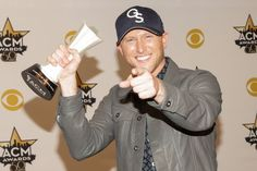 Little Big Town and Cole Swindell on CMT by Sara Kauss Cole Swindell, Little Big Town, Music Photographer, Country Music, Album Covers, Victorious, Concert, Concerts, Country