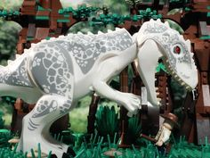 Every day at LEGO® Jurassic World is full of danger, surprises, and rampaging dinosaur breakouts. Take an early morning tour of Jurassic World with one of th. Lego Jurassic World Game, Jurassic Park World, Lego Tv, All Lego, Dinosaur Party Games, Jurrassic Park, Lego Dragon, Lego Knights, Lego Videos