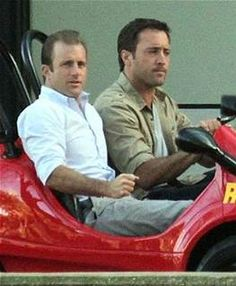 alex oloughlin and scott caan pictures - Bing Images