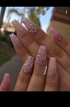 Opting for bright colours or intricate nail art isn't a must anymore. This year, nude nail designs are becoming a trend. Here are some nude nail designs. Rhinestone Nails, Bling Nails, Glitter Nails, Cute Acrylic Nails, Acrylic Nail Designs, Nail Art Designs, Elegant Nail Designs, Elegant Nails, Gorgeous Nails