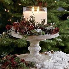 christmas centerpieces If the climate allows, consider an idea of rocking woodland winter wedding thats a dream! A forest covered with beautiful sparkling snow. Noel Christmas, Christmas Candles, Country Christmas, Christmas Projects, Winter Christmas, Holiday Crafts, Christmas Wedding, Tropical Christmas, Christmas Greenery
