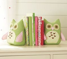 Weighted plush owl bookends
