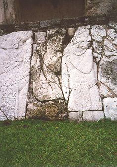 Palenque es una ciudad maya, que se encuentra en lo que hoy es el municipio de Palenque, ubicado en el estado mexicano de Chiapas, cerca del río Usumacinta