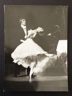 MARGOT FONTEYN. JOHN MEEHAN. ORIGINAL LOUIS PEREZ PHOTOGRAPH. THE ROYAL BALLET | eBay Most Beautiful Words, Ballet Beautiful, Dance All Day, Dance The Night Away, Ballet Art, Ballet Dancers, Margot Fonteyn, Rudolf Nureyev, Royal Ballet