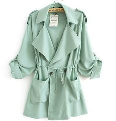 Trench coat in mint. You can never have enough trenchcoats. Green Trench Coat, Long Trench Coat, Green Parka, Trench Jacket, Trench Coats Women Long, Long Coats, Spring Summer Fashion, Autumn Fashion, Coats