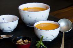 Crema de tomates asados y albahaca