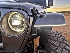 Jeep JL Rubicon High-Line Fender Brace with Daytime Running Lights - American Adventure Lab Lifted Chevy Trucks, Lifted Ford Trucks, Jeep Truck, Pickup Trucks, Jeep Wrangler Fenders, Jeep Wrangler Jk, Wrangler Unlimited, Jeep Wrangler Accessories, Jeep Accessories