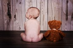 Could this be any cuter!?!!? Love me a naked baby pic!!