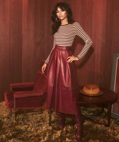 Today, Tommy Hilfiger gave us a first look at its Spring 2019 Womenswear Collection, co-designed by actress and global ambassador for the brand, Zendaya. The full collection will be shown on March during Paris Fashion week. Moda Zendaya, Zendaya Style, Zendaya Red Hair, 70s Fashion, Fashion Show, Fashion Outfits, Zendaya Outfits, Zendaya Fashion, Inspired Outfits