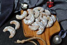 Vanilkové rohlíčky z lískových oříšků, připravené ze zdravé špaldové mouky. Vyzkoušejte tohle báječné cukroví i vy: rohlíčky krásně voní a jsou hned měkké. Cookies, Healthy, Christmas, Food, Crack Crackers, Biscuits, Navidad, Meal, Cookie Recipes
