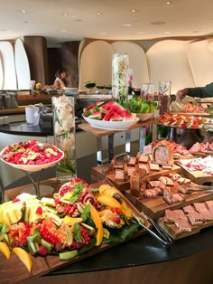 Sunday brunch at Camelia inside the Mandarin Oriental hotel in Paris