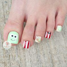 Pretty Toe Nails, Pretty Toes, Feet Nails, Toenails, Shellac Nail Designs, Nail Art Designs, Trendy Nail Art, Disney Nails, Toe Nail Art