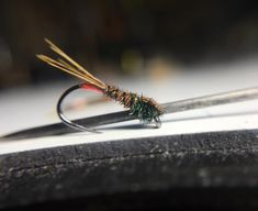 "227 gilla-markeringar, 10 kommentarer - Daniel Smith (@danieldsmith208) på Instagram: ""Pheasant tail, dirty, of course. . . #flytying #flyfishing #thevalleyoftreasures #idaho #idahome…"""