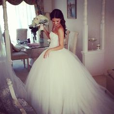 Beautiful tulle wedding dress ...