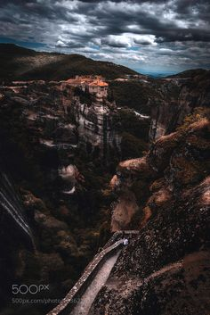 Meteora by natassat #travel #traveling #vacation #visiting #trip #holiday #tourism #tourist #photooftheday #amazing #picoftheday