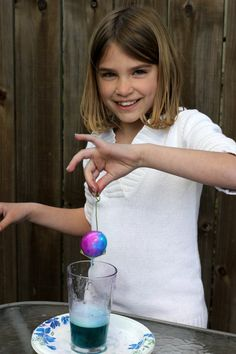 Volcano Easter Eggs...a new way to dye. Interesting.