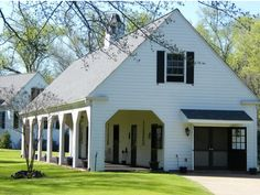 Shaded overhang - white barn color  *this would really make a great home/barn...sigh....i can only imagine