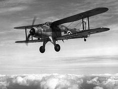 The Fairey Albacore was a British single-engine carrier-borne biplane torpedo bomber built by Fairey Aviation between 1939 and 1943 for the . Navy Aircraft, Aircraft Photos, Ww2 Aircraft, Fighter Aircraft, Aircraft Carrier, Military Aircraft, Fighter Jets, Battle Of Britain, Royal Air Force