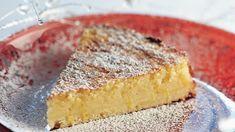 Mireillen sitruunatortun salaisuus on mehevässä torttupohjassa ja herkullisessa sitruunatäytteessä. Tarjoa esimerkiksi kinuskikastikkeen ja marjojen kanssa. Deli, Cornbread, Cheesecake, Lemon, Pie, Sweets, Baking, Ethnic Recipes, Desserts