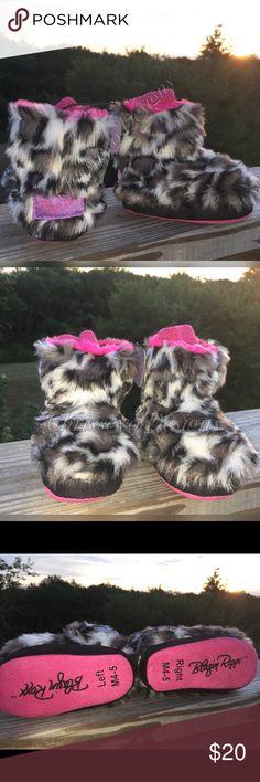 HOST PICK ❤️Children's faux fur booties💕 New with tags, adorable faux fur booties Blazin Shoes
