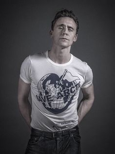 Just when Tom Hiddleston couldn't get more perfect, he declared himself an environmentalist. And unleashed this glorious picture on the internet.