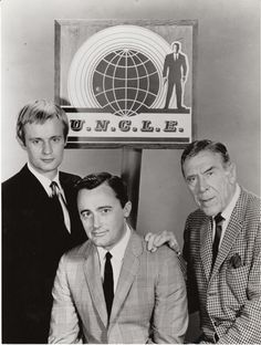 The Man from U.E: Robert Vaughn as Napoléon Solo, David McCallum as Illya Kuryakin and Leo G. Carroll as Alexander Waverly Spy Shows, Great Tv Shows, Old Tv Shows, 1960s Tv Shows, Robert Vaughn, Charles Bronson, Man From Uncle Tv, Tv Vintage, Movie Posters