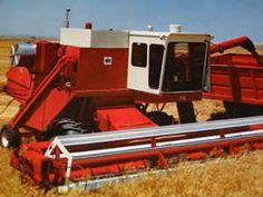 International Harvester 815 Combine   IH 715 Combine