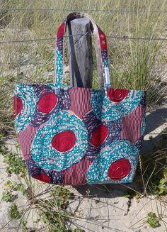 Sac de plage en WAX - Patron maison - Tuto dispo sur le blog! Patchwork Baby, Tote Bags Handmade, Lingerie, Wallets For Women, Strand, Blog, Straw Bag, Purses And Bags, Diaper Bag