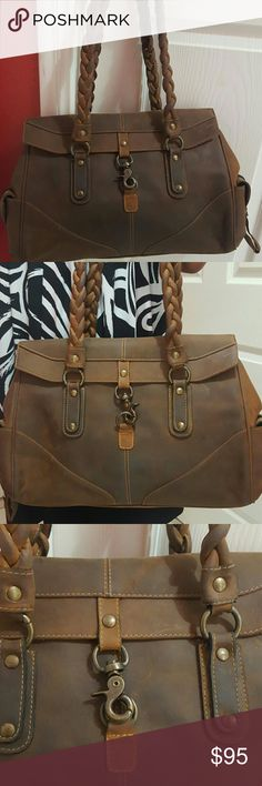 BEAUTIFUL  BAG GENUINE 100% LEATHER unique design will not see another like it Like new Bags Baby Bags