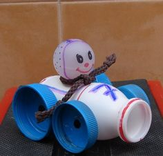 Recycling easy to do with children: 45 Crafts Plastic Bottle Crafts, Bottle Cap Crafts, Recycle Plastic Bottles, Recycled Tin Cans, Recycled Bottles, Recycled Crafts, Kids Crafts, Toddler Crafts, Art For Kids