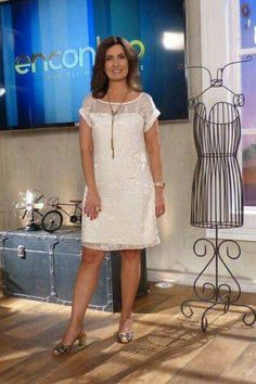 like the dress, not the shoes Dresses To Wear To A Wedding, Dresses For Work, Summer Dresses, Casual Dresses, Casual Outfits, Fashion Dresses, Cool Outfits, One Piece Dress, Dress Up