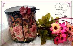 Porta trecos com vidro reciclado: decoupage e flores de papel melita