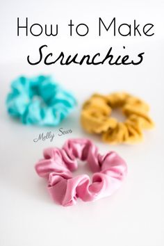 How to make scrunchies - DIY hair ties tutorial - Melly Sews,Wie man Haargummis macht - Tutorial zum Selbermachen von Haargummis - Melly Sews Source by yellowgirl_at. Pot Mason Diy, Mason Jar Crafts, Diy 2019, How To Make Scrunchies, Diy Hair Scrunchies, Diy Couture, Sewing Projects For Beginners, Diy Summer Projects, Teen Summer Crafts