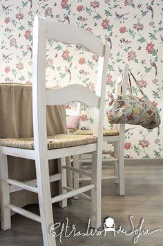 Sillas enea en blanco envejecido, ideales para tu tienda, sitio de estudio...