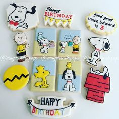 Unique celebration this weekend for two special boys! Here we have a set for Vince Edward for his 3rd birthday! #cookiefavors #charliebrown #snoopy #3rdbirthday #customcookies #mayrascakepops #sweetsforeveryoccasion