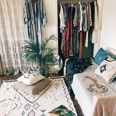 / . . #Repost @urbanoutfitters with @repostapp ・・・ Getting inspired by Jamee Jones aka @tm4w's space—and his closet. Check our interview with Jamee on the UO Blog! : @duynguyen.us #UOHome #UOonCampus