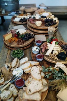 54 Trendy Ideas For Wedding Food Platters Catering Antipasto, Wedding Food Stations, Drink Stations, Grazing Tables, Food Platters, Meat Cheese Platters, Food Buffet, Buffet Ideas, Charcuterie Board