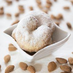Un biscotto al giorno: Biscotti alle mandorle - Kourabiethes