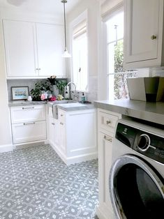 Five Ways to Create A Beautiful Classic Laundry Room - Classic Casual Home #cementtiles #greyandwhite #laundryroom Benjamin Moore Super White, Purple Painted Lady, Pantry Rack, Classic Lighting, Hygge Home, Hanging Clothes, Floor Patterns, Organizing Your Home, Cool Rooms