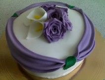 torta drapo con rose e calle
