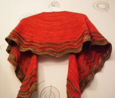 shawl Whipoorwill by Carina Spencer. Knitted with Delicious Yarns !